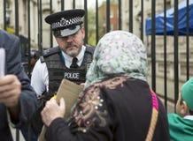 Reunião síria em Trafalgar Square para apoiar médicos sob o fogo foto de stock