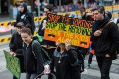 Reunión contra la detención y la tortura del niño Fotos de archivo