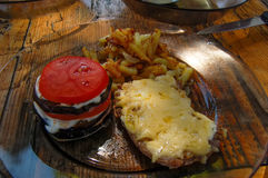 Reunión de las patatas fritas de los tomates de las berenjenas Fotografía de archivo