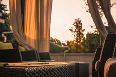 Reunión del amanecer en la tabla del café del verano Imagen de archivo libre de regalías