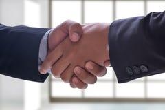 reunión profesional de la sociedad del negocio del apretón de manos del hombre de negocios Imagen de archivo libre de regalías
