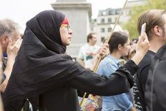 Reunión siria en Trafalgar Square para apoyar a médicos bajo fuego Fotografía de archivo libre de regalías