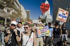 Reunión y marzo de la protesta del asunto 8 en Los Ángeles Imagenes de archivo