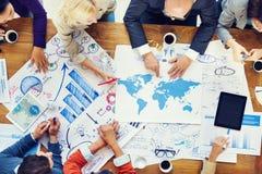 Reunión y planeamiento financieros globales de negocios fotos de archivo libres de regalías