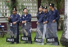 Reunión dduring en modo espera de la policía antidisturbios Imagen de archivo
