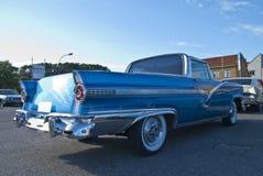 A reunião do carro do Am halden dentro (o carro americano clássico) Imagens de Stock Royalty Free
