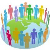 Reunião do grupo dos povos do mundo no globo oriental da terra Fotografia de Stock