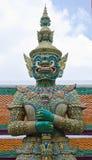 Reus bij Emerald Buddha-tempel Stock Afbeeldingen