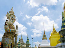 Reus bij Emerald Buddha-tempel Stock Foto