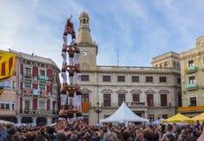 REUS, ESPAÑA - 23 DE ABRIL DE 2017: Funcionamiento de Castells fotografía de archivo