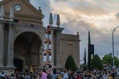 Reus Spanien September 2018: Castells eller mänsklig tornkapacitet fotografering för bildbyråer