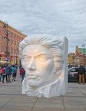 Reusachtig beeldhouwwerk in Warshau, Polen royalty-vrije stock fotografie