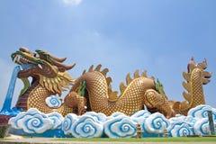 Reusachtig draakbeeldhouwwerk Stock Foto's