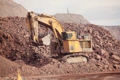 Reusachtig Graafwerktuig mijnbouw Stock Fotografie