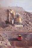 Reusachtig Graafwerktuig mijnbouw Stock Afbeelding