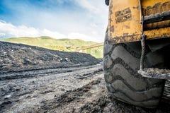 Reusachtige die machines aan steenkooluitgraving worden gebruikt Royalty-vrije Stock Fotografie