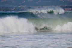 Reusachtige golven Royalty-vrije Stock Foto