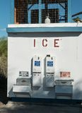 Reusachtige ijsmachine stock foto's