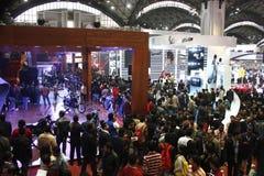Reusachtige menigte in de AutoExpo 2012 Royalty-vrije Stock Afbeelding
