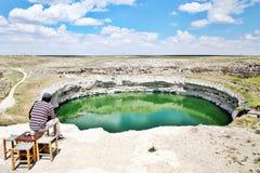 Reusachtige sinkhole in Turkije Stock Foto's