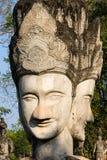 Reusachtige Standbeelden in het Beeldhouwwerkpark - Nong Khai, Thailand royalty-vrije stock afbeeldingen
