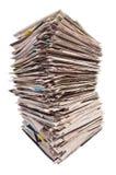 Reusachtige Stapel Kranten Stock Fotografie