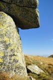 Reusachtige stenen die in Lage Tatras worden gestapeld royalty-vrije stock afbeelding