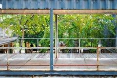 Reuse zbiornika Materialna budowa i transformata powierzchnia biurowa , Bangkok, Tajlandia zdjęcie stock