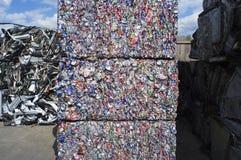 Reuze Balen van de Verpletterde Blikken van het Aluminium Stock Foto's