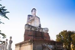 Reuzeboedha in Wat Ek Phnom-tempel dichtbij Battambang CIT Royalty-vrije Stock Foto