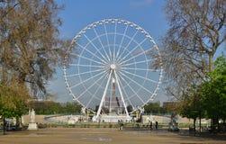 Reuzeferris wheel (Grande Roue) in Parijs Royalty-vrije Stock Fotografie