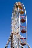 Reuzenrad bij een pretpark Royalty-vrije Stock Afbeeldingen