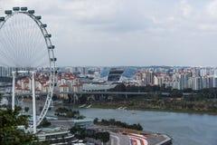 Reuzenrad en stadion Singapore. Stock Foto