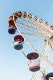 Reuzenrad op blauwe hemel Stock Afbeeldingen