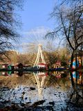 Reuzenrad in Park van genoemd Yuri Gagarin in de stad van Samara royalty-vrije stock afbeeldingen