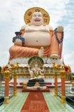 Reuzestandbeeld Grote Boedha in de tempel Wat Plai Laem Stock Fotografie