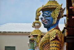 Reuzestandbeeld van de Tempel van Emerald Buddha Wat Phra Kaew royalty-vrije stock afbeelding