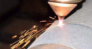 revêtement de laser, soudure de robot photographie stock