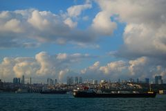 Revêtement sur Bosphorus, Istanbul, Turquie photographie stock libre de droits