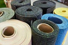 Revestimentos para pavimento de borracha plásticos para o gym do esporte fotos de stock royalty free
