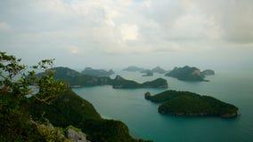 Revestimiento del wua TA de Ko en parque marino nacional del angthong del ko de MU imágenes de archivo libres de regalías