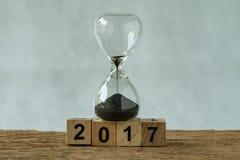 Revisão da contagem regressiva 2017 ou da melhoria do tempo do negócio do final do ano concentrada Fotos de Stock Royalty Free