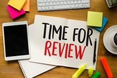 revise el concepto del negocio del tiempo, hora para el comentario, equipo h del negocio fotografía de archivo libre de regalías