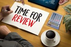 revise el concepto del negocio del tiempo, hora para el comentario, equipo h del negocio fotos de archivo libres de regalías