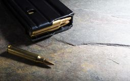 Revista cargada del rifle de asalto Fotografía de archivo libre de regalías