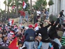Revolución egipcia, el ejército y manifestantes Fotos de archivo libres de regalías