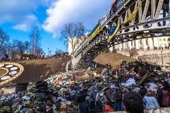 Revolución ucraniana, Euromaidan después de un ataque del gobierno f imagen de archivo