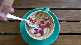 Revolvimiento de Rose Latte Coffee metrajes