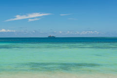Revêtement de croisière dans l'océan pacifique Photos libres de droits