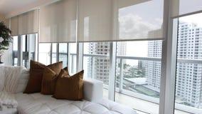 Revue du projet de luxe de condominium banque de vidéos